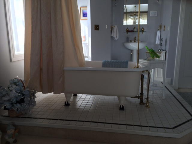 Edwin K Bathtub