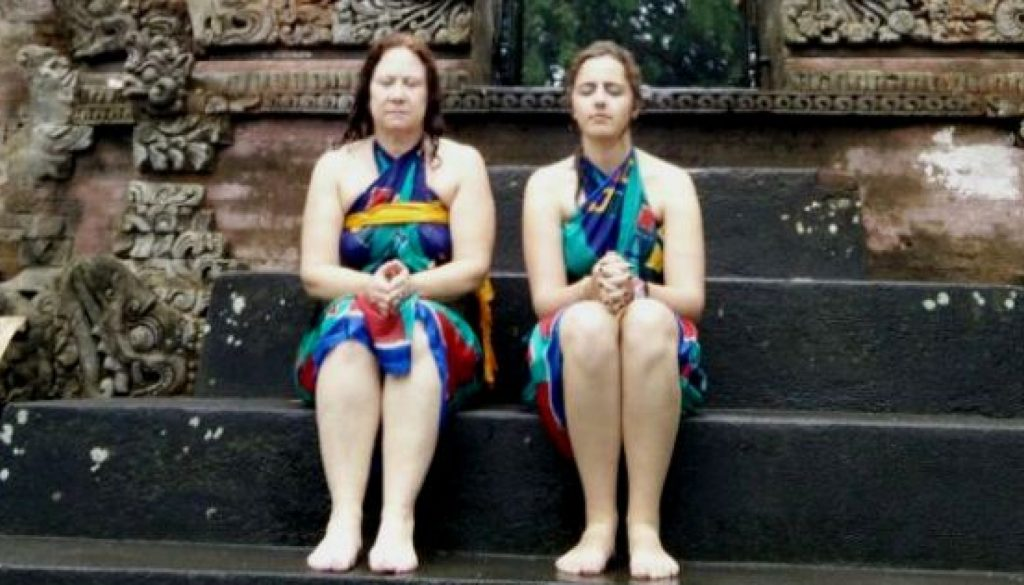cropped-indonesia-bali-meditating-at-water-temple.jpg